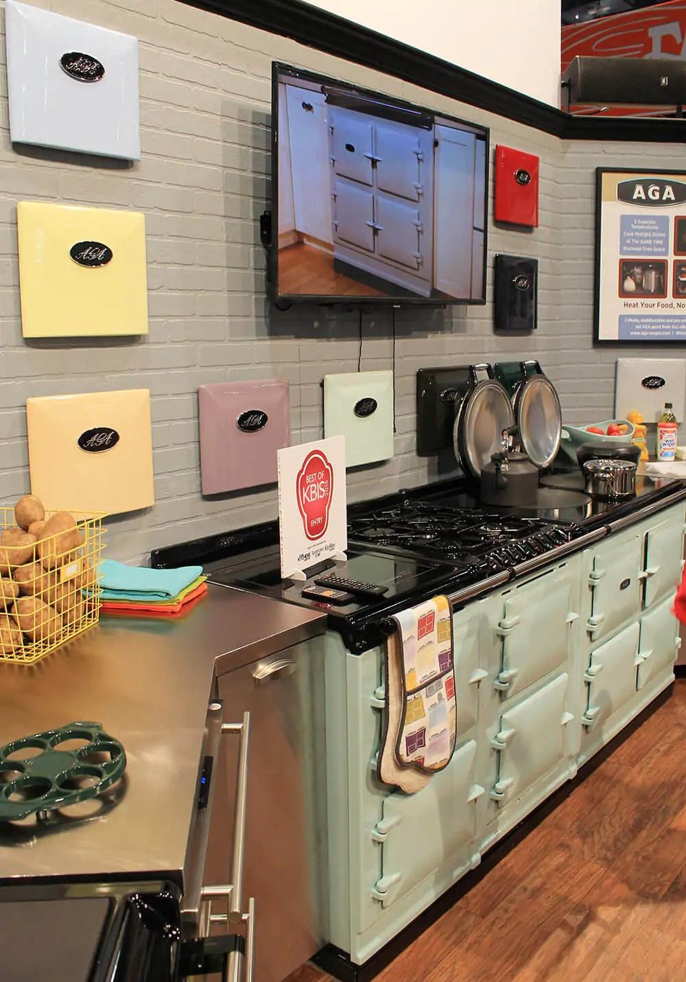 colorful kitchen appliances pictures of remodeled kitchens aga ranges and a retro at kbis - ...