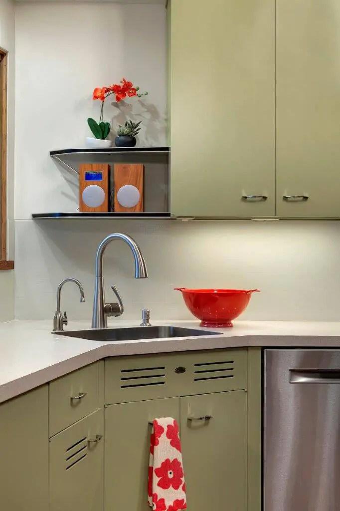 Midcentury modern kitchen backsplash idea Backpainted