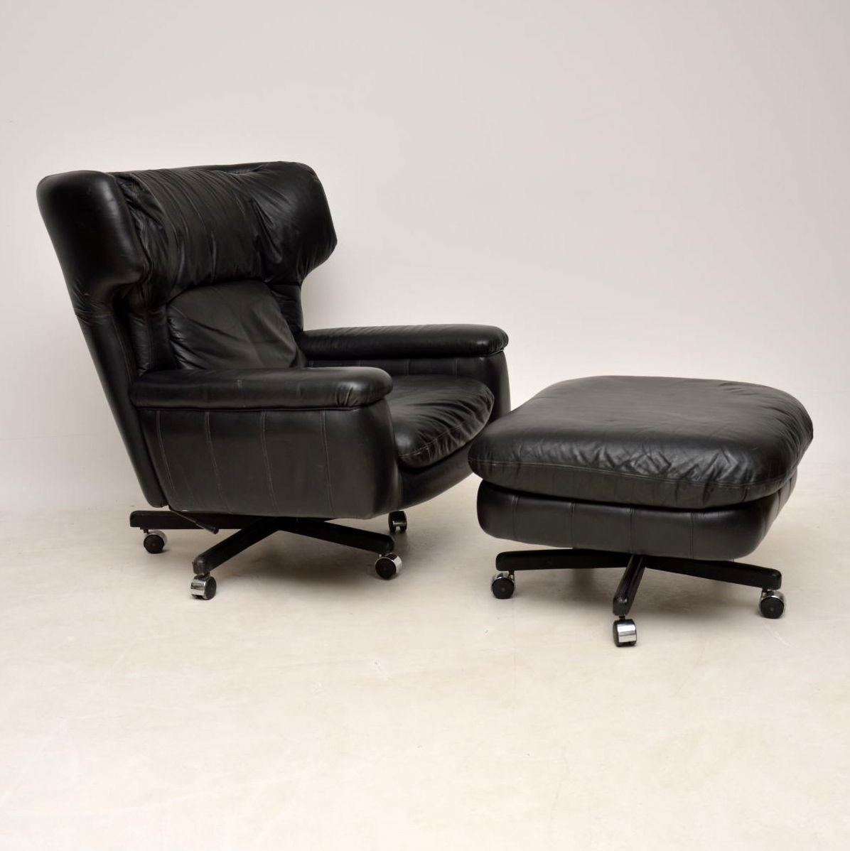 Leather Reclining Chairs 1960 S Vintage Leather Reclining Armchair Stool
