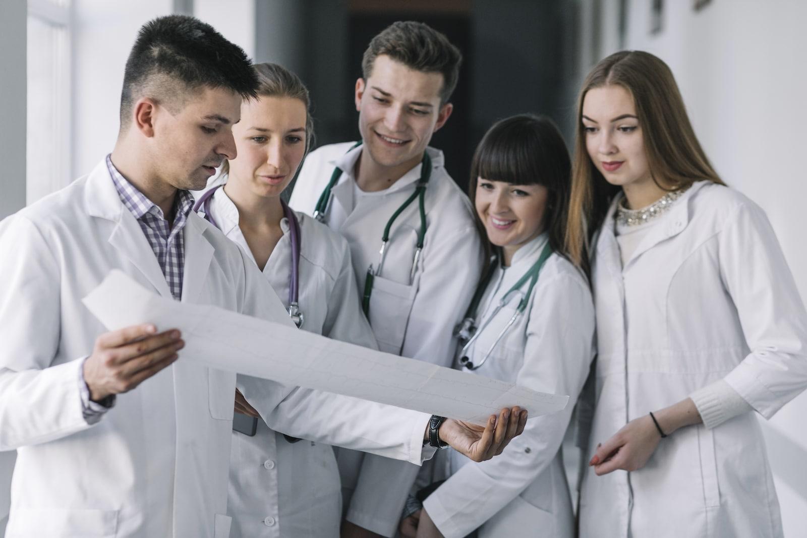 Læger og sygeplejesker planlægger