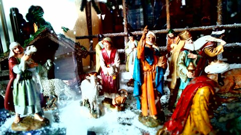Nativity figurings