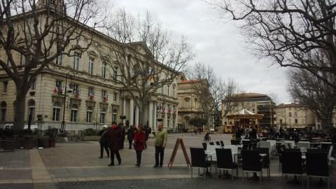 中央広場。やはり冬場なので人もまばら。