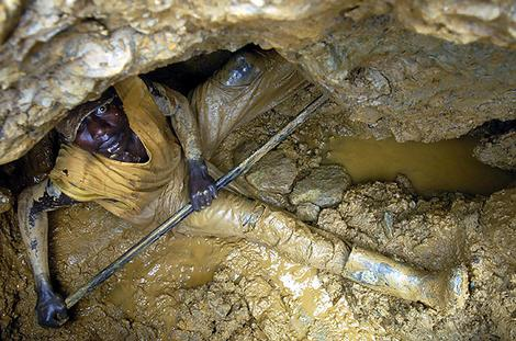 STORY ABOUT MINES IN THE Democratic Republic of Congo. MORE CAPTION INFO TO COME Pic by Daniel Pepper [mailto daniel.pepper@gmail.com] SMH NEWS REVIEW 060802