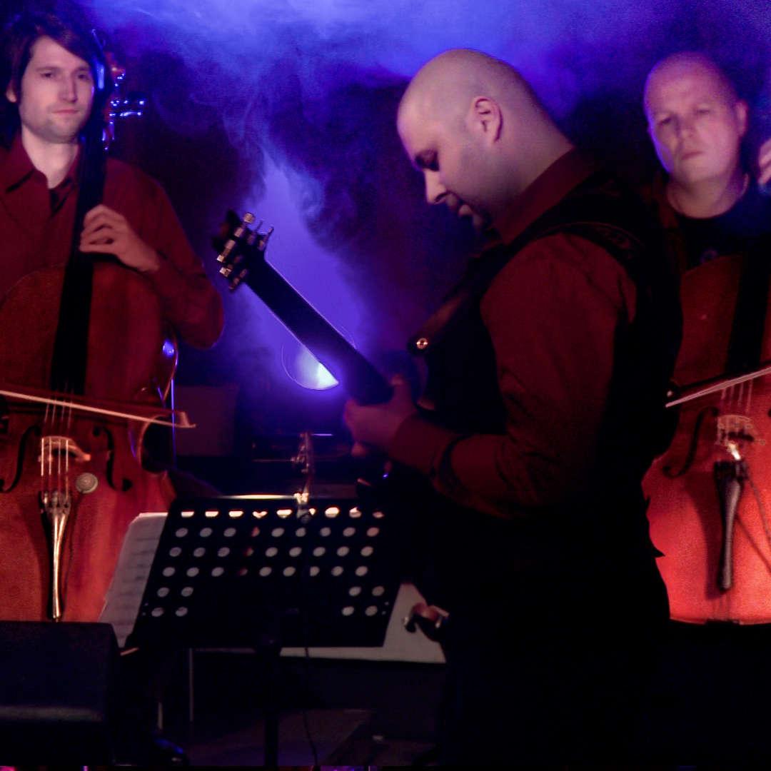 Benjamin Walbrodt - Cellos | Reuf Sipovic - Guitar | Ulrich Maiss - Cellos