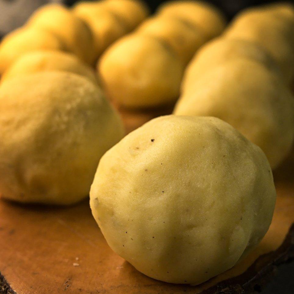 Kartoffelkloesse - fertig für den Topf