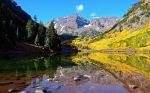 162-paysages-magnifiques-avec-de-hautes-montagnes