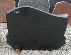 Hauakivi: K 408 (kõrgus50cm./laius70cm.)