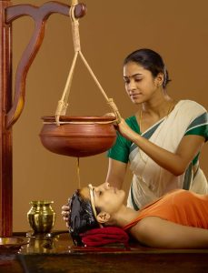 Shirodhara treatment in naturopathy