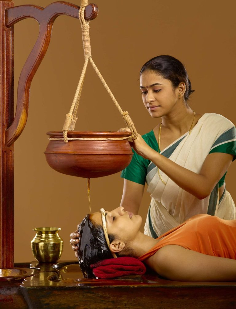 Read more about the article Shirodhara treatment in naturopathy
