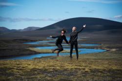 daylight-iceland-jumping-1690470