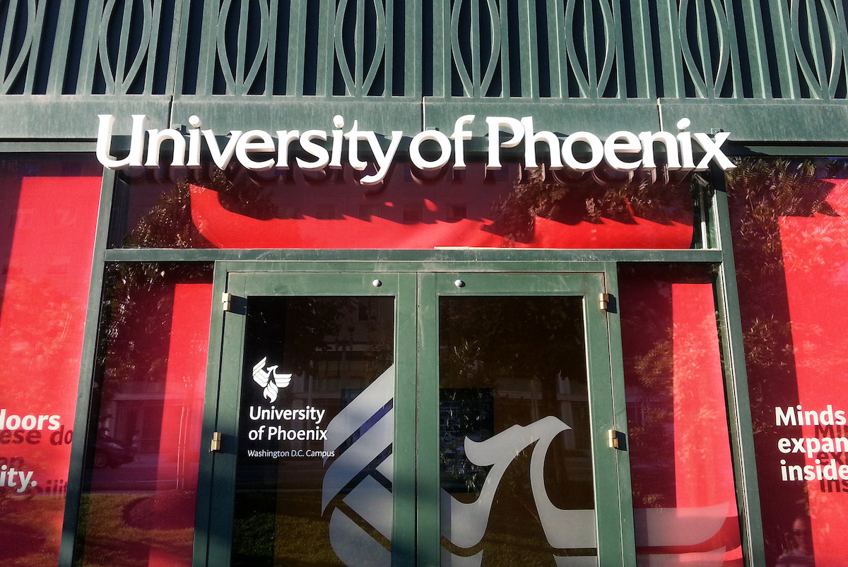 The exterior of a University of Phoenix building