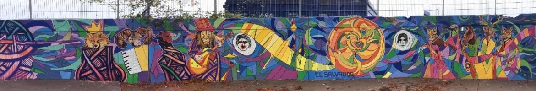 Mural en la Felberstraße, diseño gráfico de Rafael Pacas. (24x2m)