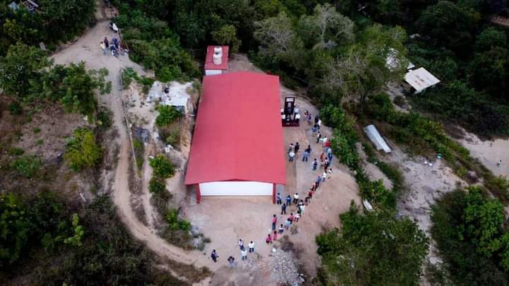 Inaugura Ayuntamiento de Pochutla obra en Escuela Secundaria 270