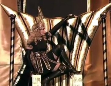 Madonna_Throne_Pose