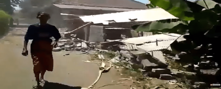 Lombok, Indonesia: 6.9 Earthquake Rocks Tiny Island