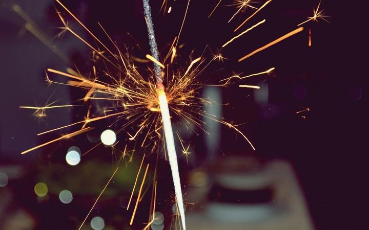 anniversary sparkler firework hd