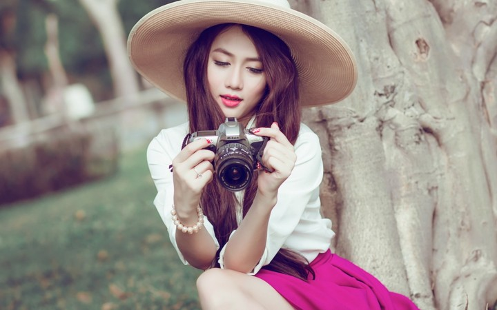 Cute Chinese Girls Wallpaper Lovely Asian Girl Holding A Camera Nikon Wallpaper By