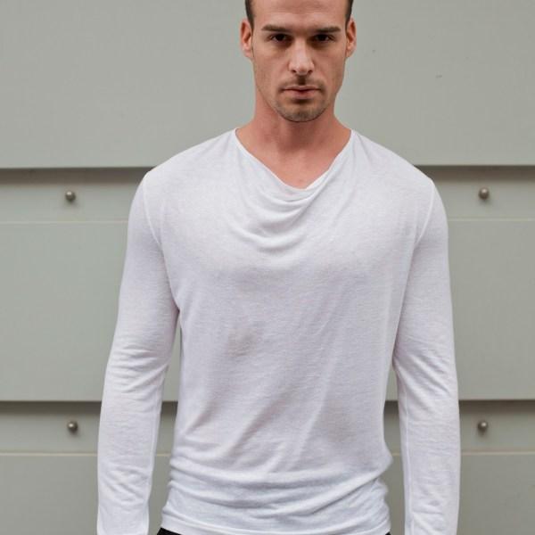 tee-shirt blanc à manches longues en lin