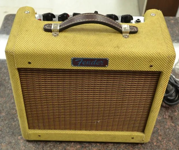 Fender Bronco Tweed Guitar Amp Amplifier 15W 1x8  Reverb