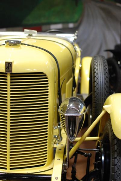A yellow car.