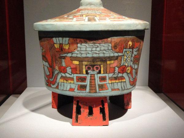 Mayan pot