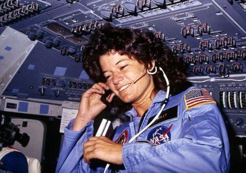 Sally Ride, première astronaute américaine dans l'espace en juin 1983 (source NASA)