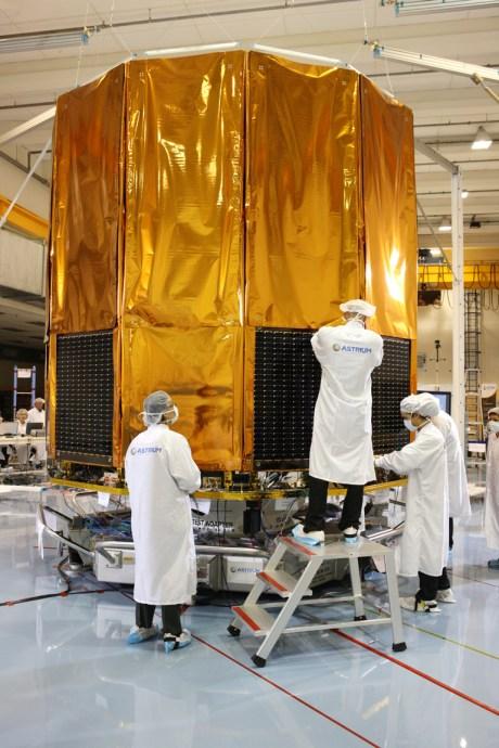 Le DSA en configuration pliée sur le satellite