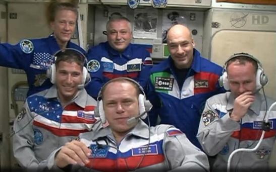 Première vidéo conférence avec la Terre (source NASA TV via @cpamoa)