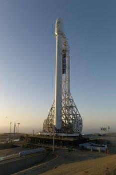 La fusée Falcon 9 sur son pas de tir (source Space X)