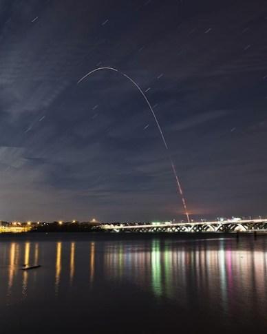 Au delà du fleuve Potomac, à Alexandria en Virginie, le lancement du 20 novembre 2013 (source Peter Ozdzynski)