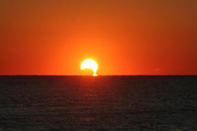 Eclipse partielle vue des Etats Unis par Tony Rice (@rtphokie)