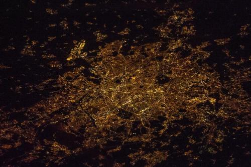 Paris, la nuit depuis l'ISS, 11/12/13 (600-mm)