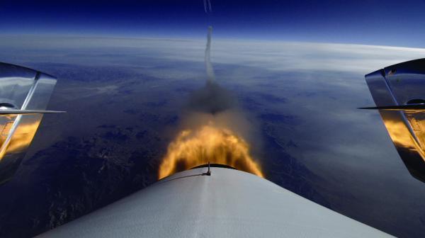 SpaceShipTwo moteur allumé (source Virgin Galactic)