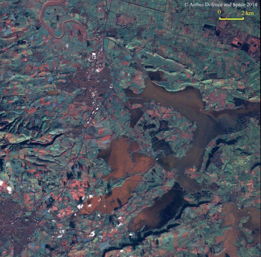 Inondations aux environs de la ville de Bridgwater, au Royaume-Uni par le satellite d'observation de la Terre SPOT 6 le 11 janvier 2014 (source Airbus Defence and Space )