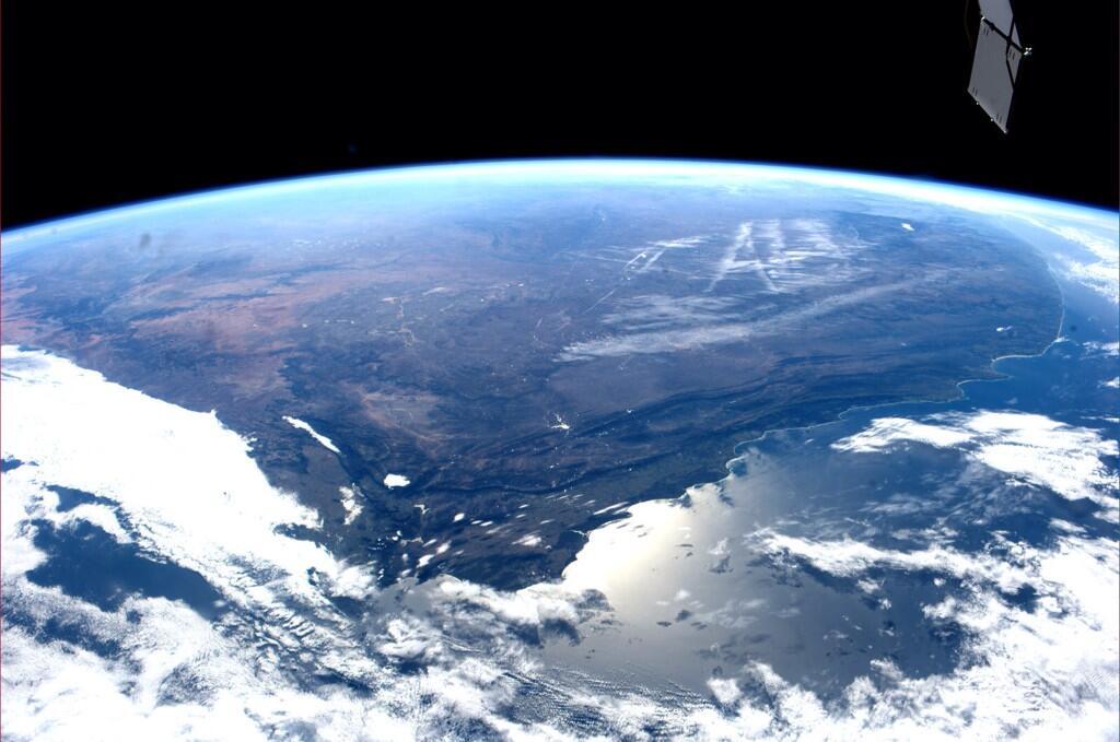 Capetown et quasiment toute l'Afrique du Sud (photo Reid Wiseman à bord de l'ISS Exp40, via Twitter)