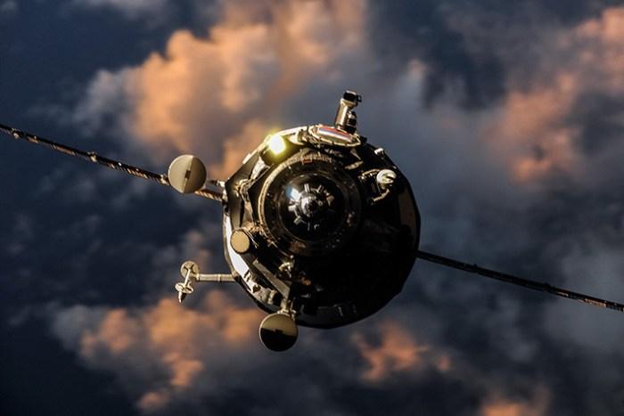 Arrivée du Progress M24-M vue depuis l'ISS (photo d'Oleg Artemyev)