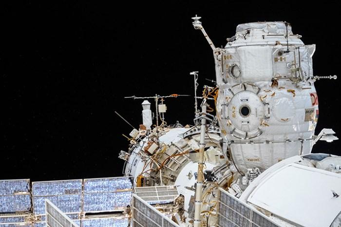 """Le point d'amarrage """"Pirs Port"""" attend le Soyouz sur la partie russe de l'ISS (photo d'Oleg Artemyev)"""