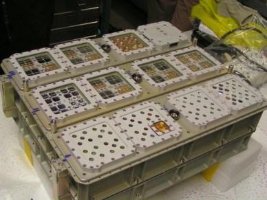 BIOMEX, l'une des études d'EXPOSE (source NASA)