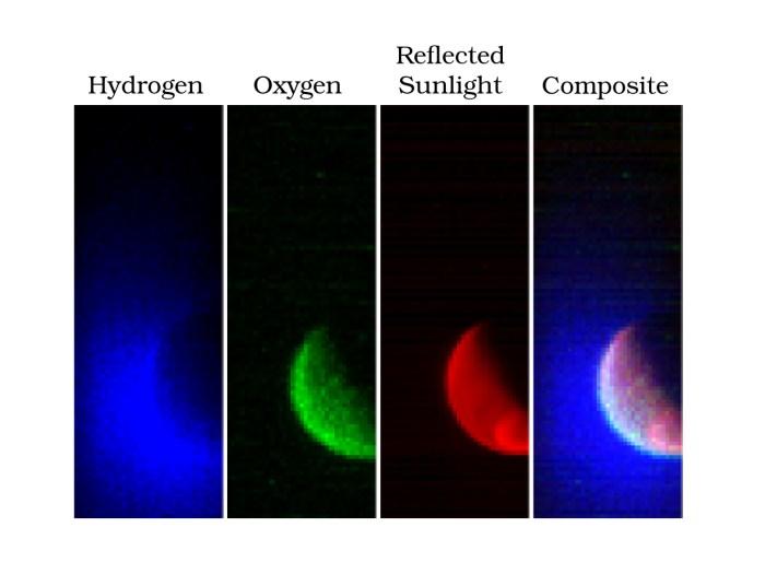 L'instrument  spectrographe imageur dans l'ultraviolet (IUVS) de MAVEN a obtenu ces images en fausses couleurs : L'image montre MARS  à une altitude de 36500 km en trois bandes de longueur d'onde ultraviolette. Le Bleu représente la lumière ultraviolette du soleil diffusée par le gaz d'hydrogène atomique dans un nuage étendu qui va à des milliers de kilomètres au-dessus de la surface de la planète. Le Vert montre une autre longueur d'onde de la lumière ultraviolette qui est principalement la lumière du soleil réfléchie par l'oxygène atomique, montrant le nuage d'oxygène plus faible. Le Rouge montre rayons ultraviolets du soleil réfléchie par la surface de la planète; la tache en bas à droite est la lumière réfléchie soit de la glace polaire ou des nuages. (© Laboratory for Atmospheric and Space Physics /University of Colorado and NASA)