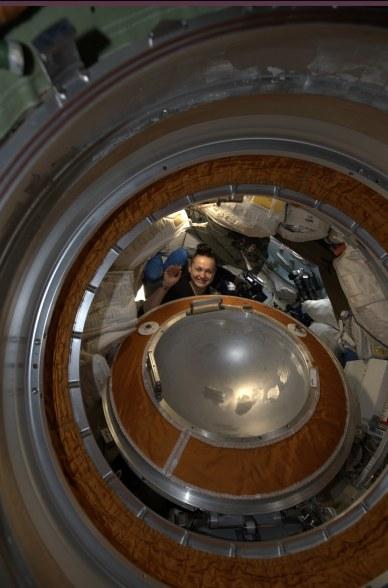 Yelena Serova dans le segment russe MRM-2 (source Alexander Gerst/ESA/NASA)