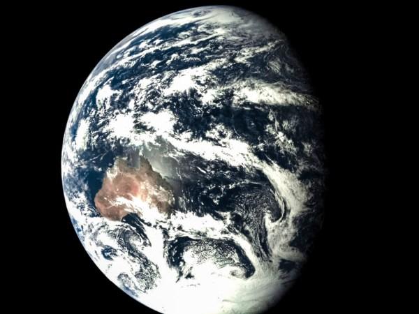 La Terre le 24 Octobre 2014, depuis la sonde chinoise Chang'e-5 T1. Credit: Xinhua News