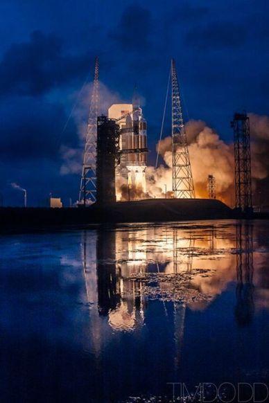 Décollage de Delta IV Heavy / Orion EFT1 le 4/12/14  (© 2014 Tim Dodd Photography LLC)