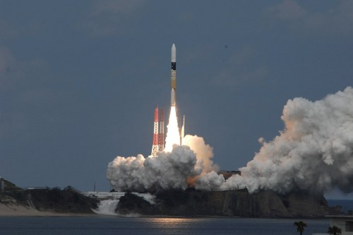 Lancement de Hayabusa 2 depuis le Centre spatial de Tanegashima à bord d'une fusée H-2A le 03/12/14. (Crédit: JAXA)