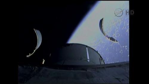 Séparation des panneaux de protection du Module de Service d'Orion EFT1 (source NASATV)