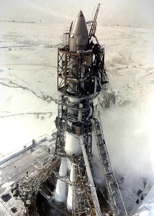 Le Voskhod 2 sur le pas de tir (credit Ria Novosti/Science Photo Library)