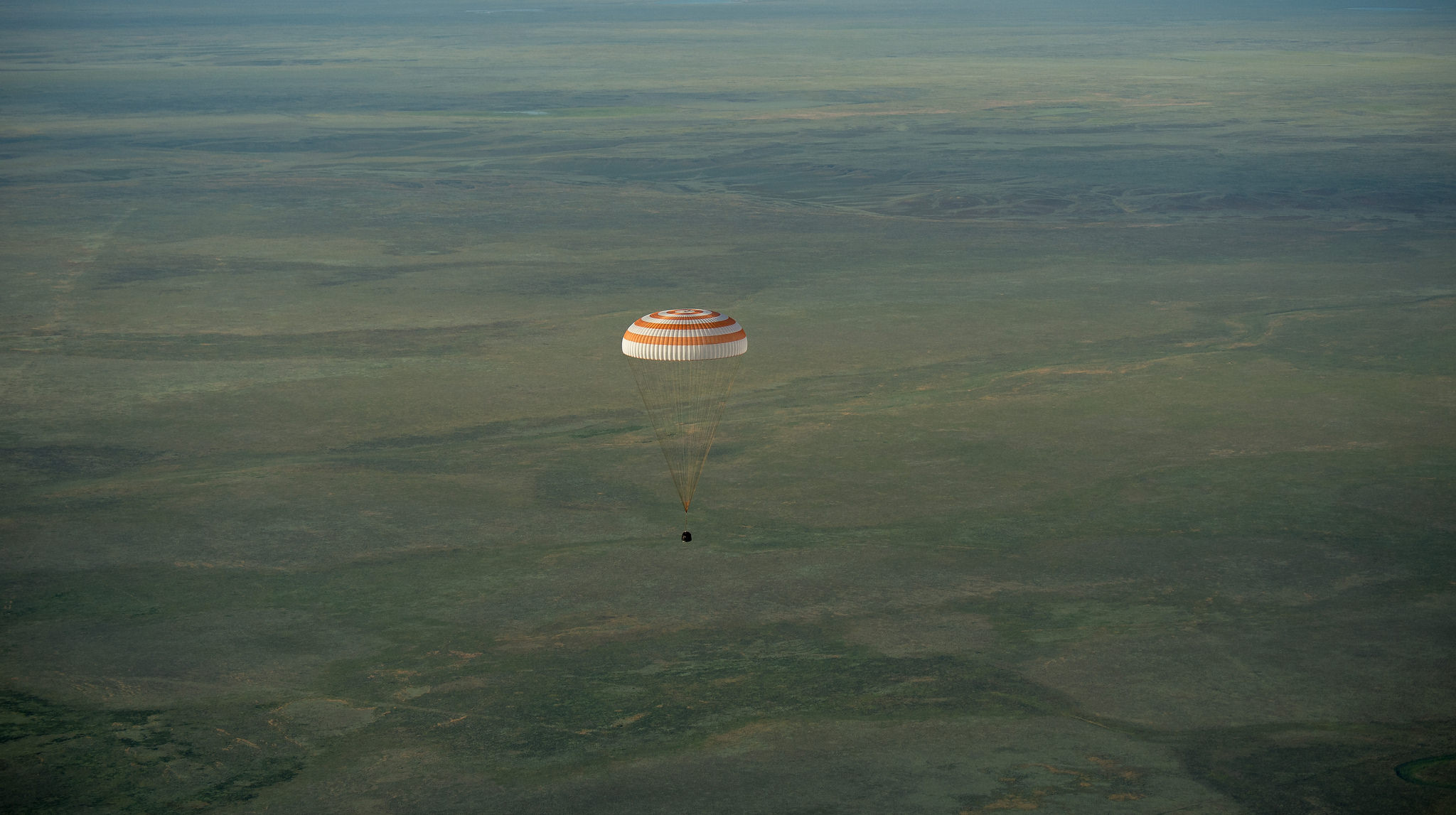 Expedition 43 Soyouz TMA-15M Landing 20150611