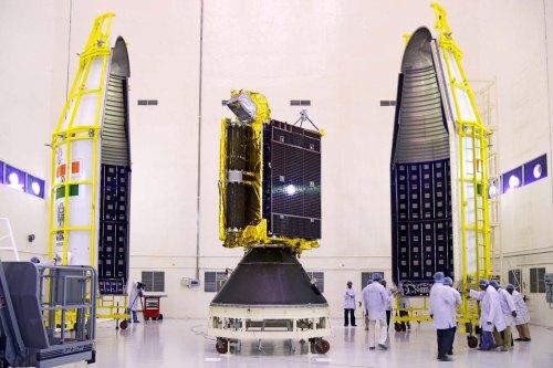 Le satellite GSAT -6 avant mise sous coiffe (credit ISRO)
