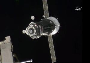 Arrivée à l'ISS du Soyouz TMA-18M le 4/09/15 (source NASA TV)