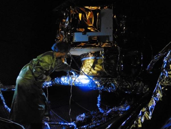 Un dernier coup d'oeil avant de fermer la porte pour les 8 jours de test. (Crédit : Airbus Defence and Space Ltd)