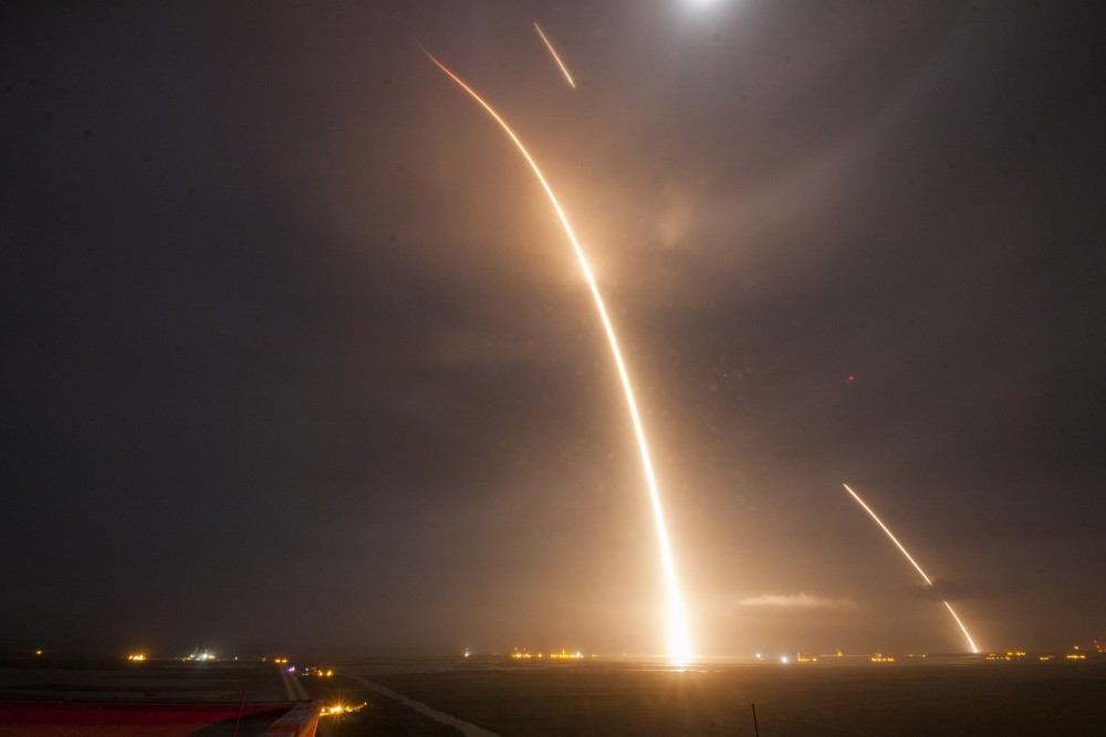 exposition_longue_spaceX_decollage_atterrissage_falcon_9